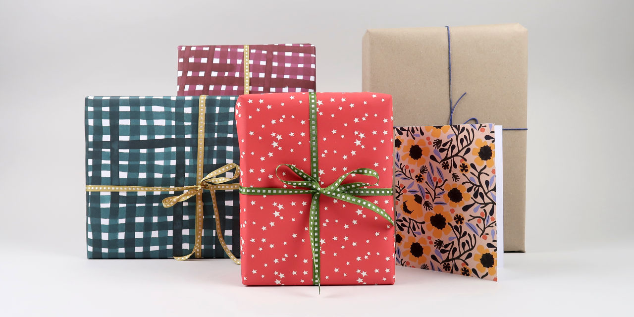 black-bough-gift-wrapping-2