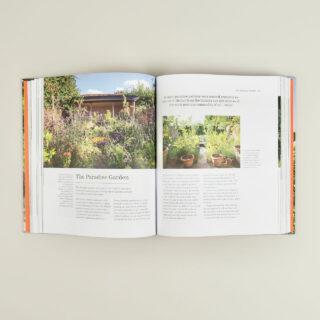 The Complete Gardener - Monty Don