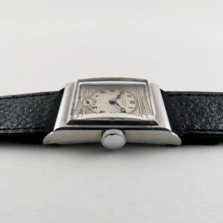 Crusader retailed by Flinn & Co. Coventry circa 1935   steel manual vintage wristwatch