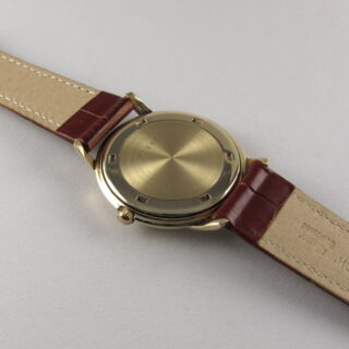 Gold Jaeger-LeCoultre Ref. E 902 vintage wristwatch, hallmarked 1961