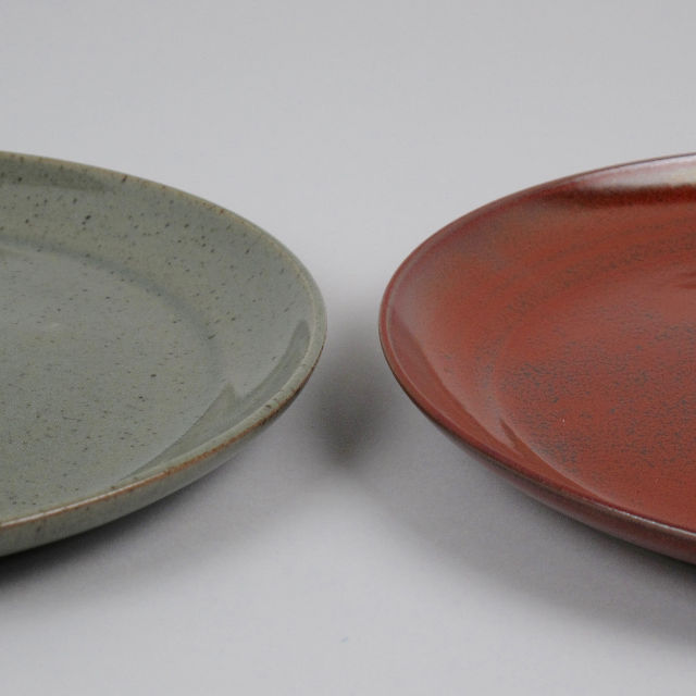 Hand Thrown Stoneware Plate - Large