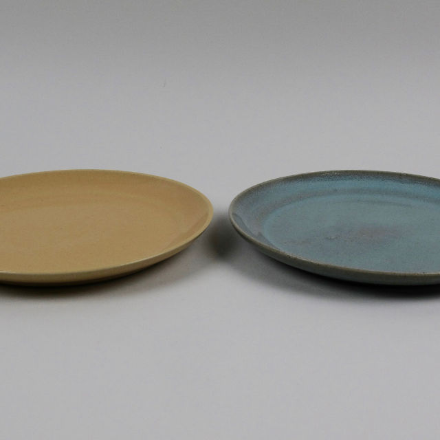 Hand Thrown Stoneware Plate - Small