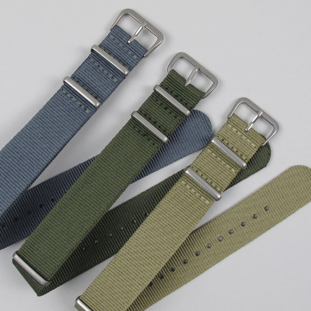 These classic single tone NATO style military wristwatch straps are available in 4 different colours and are easily interchangeable, which means you can quickly change the look of your watch to match your mood or your outfit.