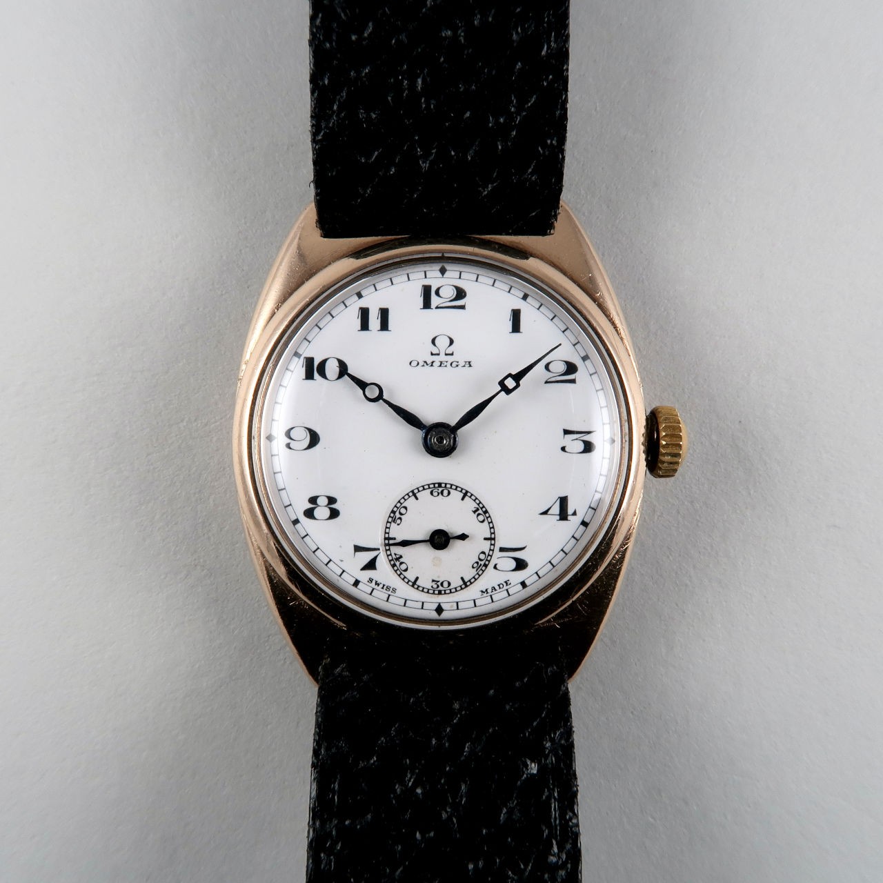 Omega Cal. 23.7S T2 hallmarked 1931   9ct gold hand wound vintage wristwatch with enamel dial