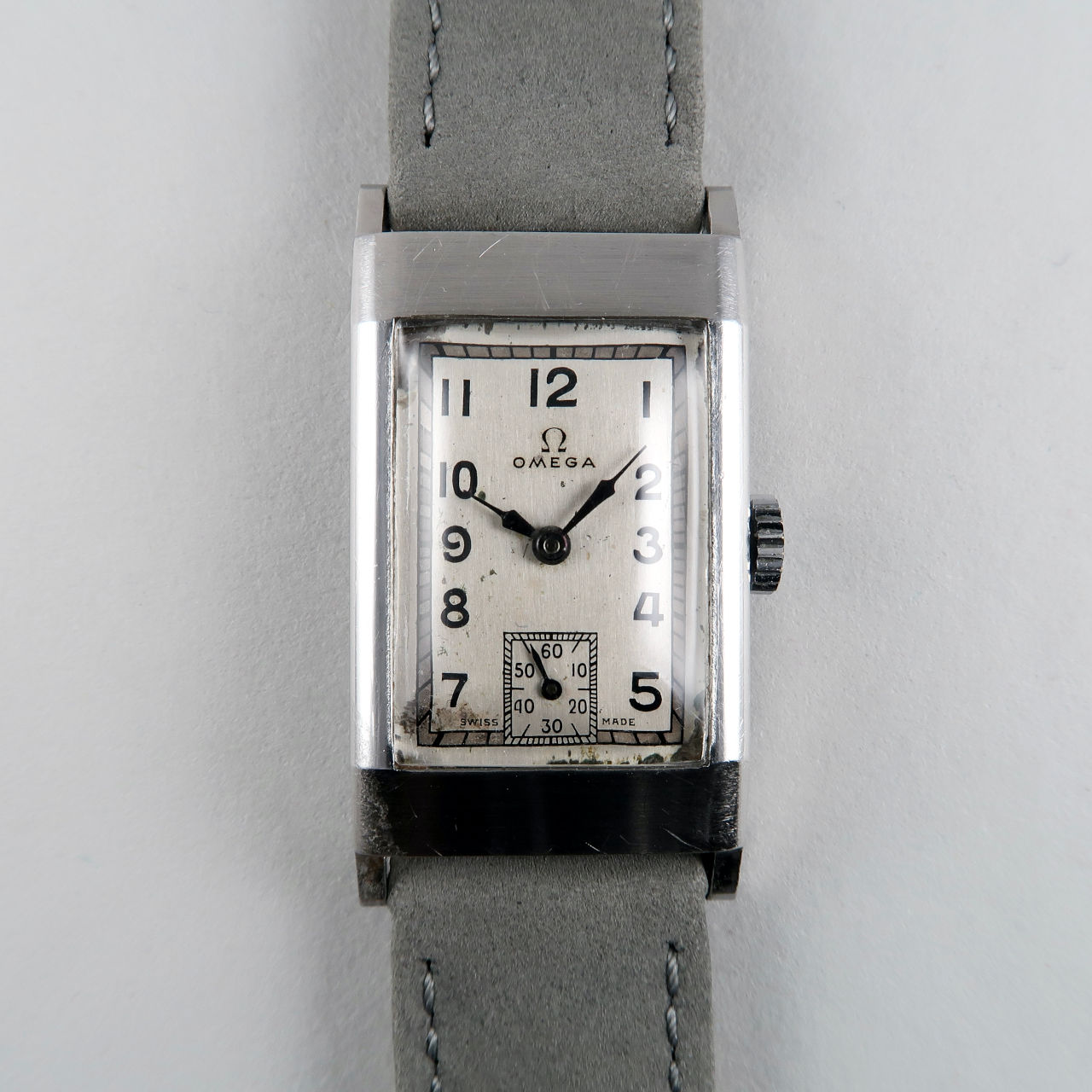 Omega Cal. T17 circa 1940 | steel hand wound rectangular wristwatch