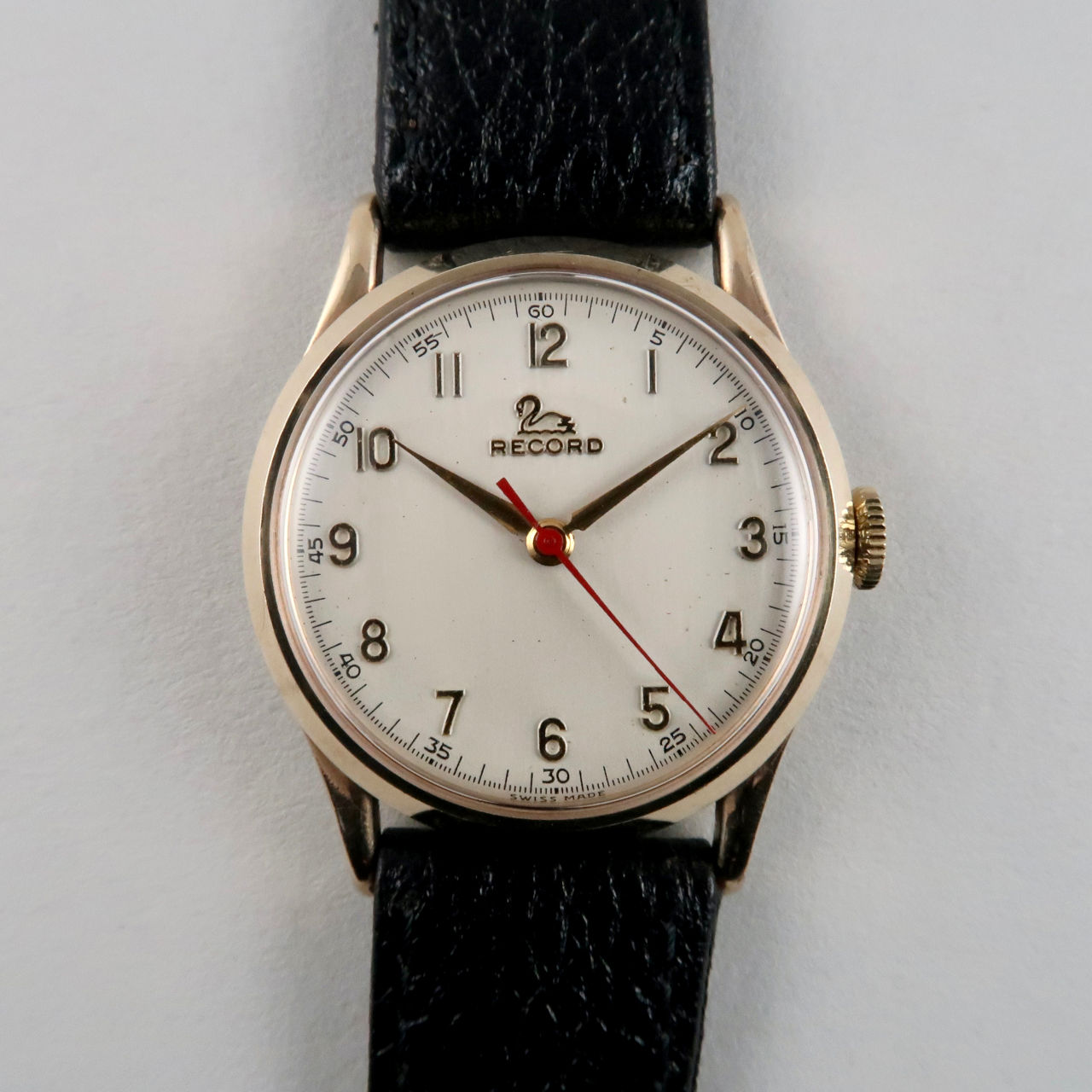 Record Cal. 022-18SC 9ct gold vintage wristwatch, hallmarked 1955