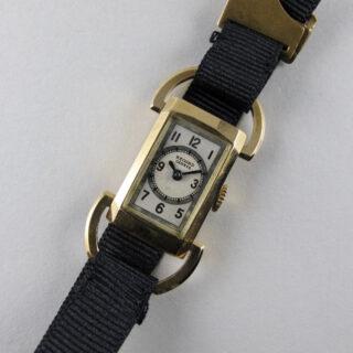 record-geneve-ladys-18ct-gold-vintage-wristwatch-circa-1935-wwrwgl-v01