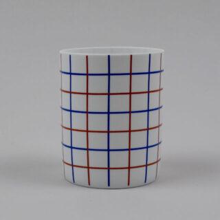 Porcelain tealight holder