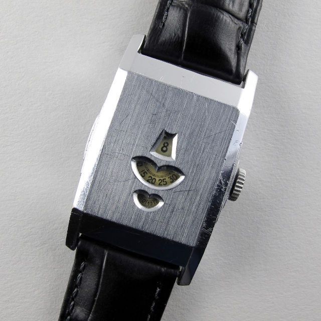 Swiss nickel chrome vintage wristwatch, circa 1935
