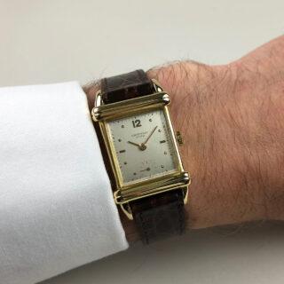 Universal Ref. 18507 18ct gold vintage wristwatch, hallmarked 1952