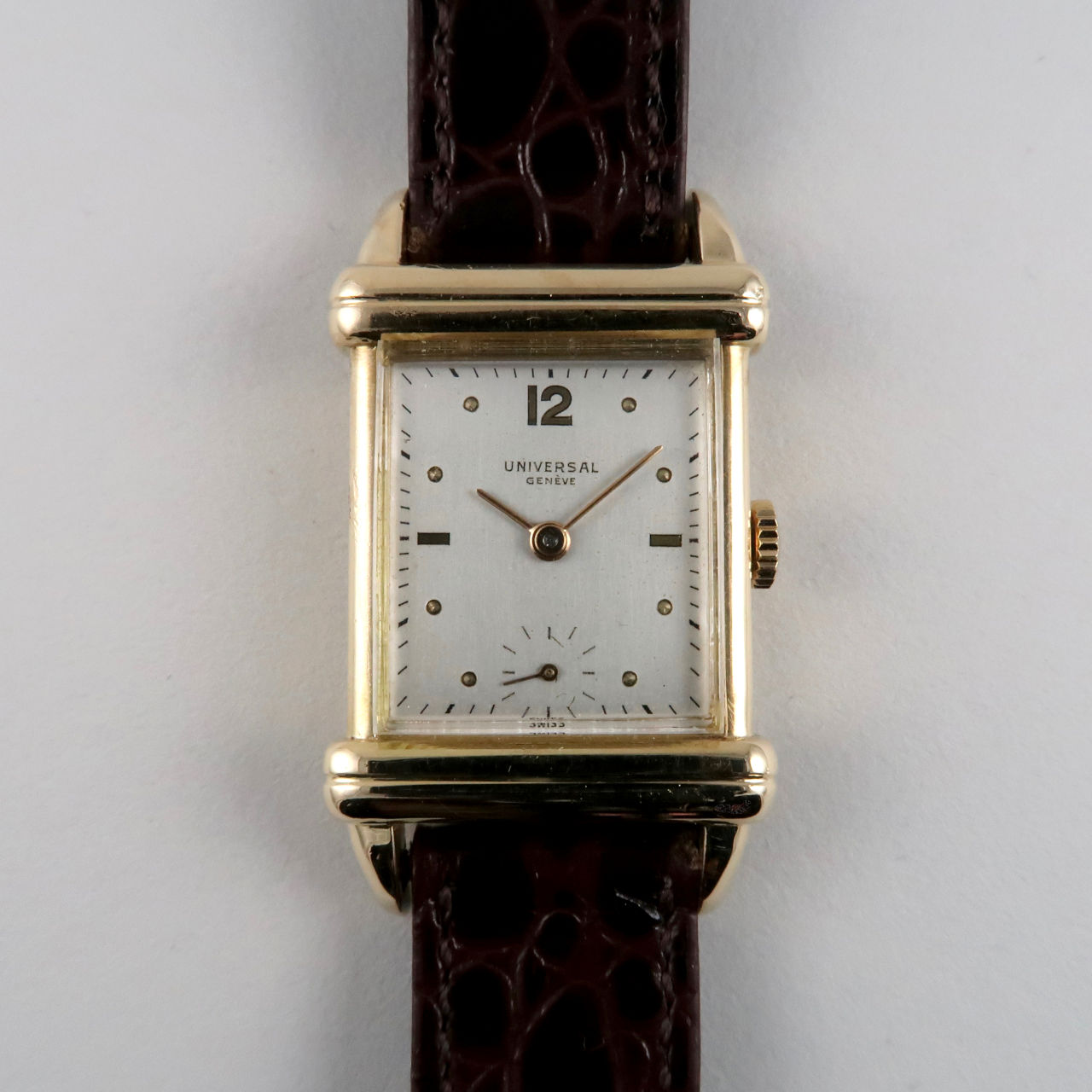 Universal Ref. 18507 18ct gold vintage wristwatch, hallmarked 1952