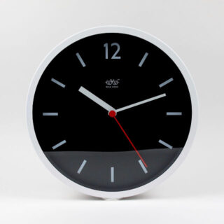 wild-wolf-wall-clock-arctic-white-v001
