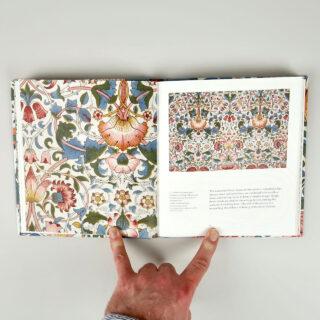 William Morris's Flowers - Rowan Bain