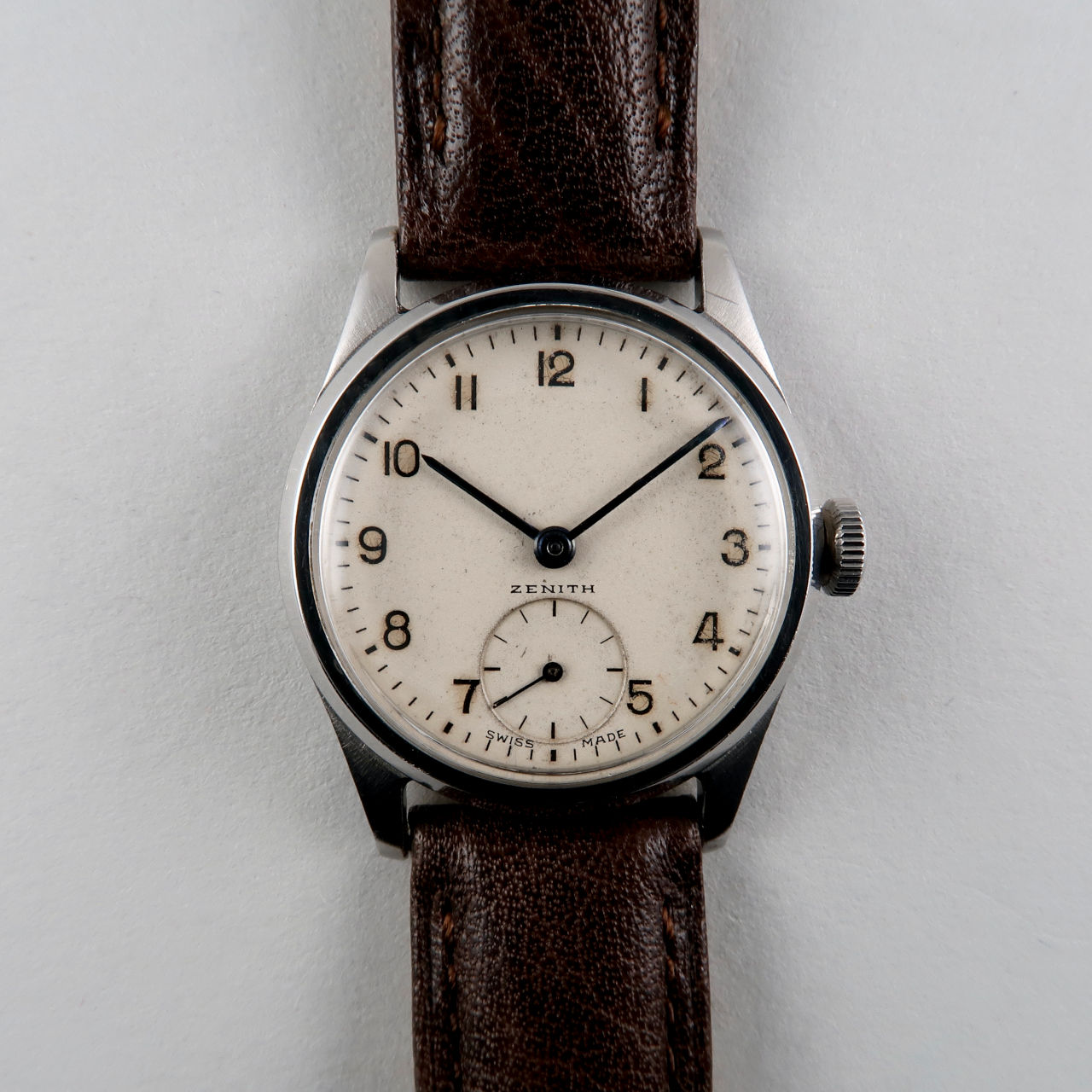 Zenith Cal. 106-6 circa 1950   steel mid-sized manual wind wristwatch