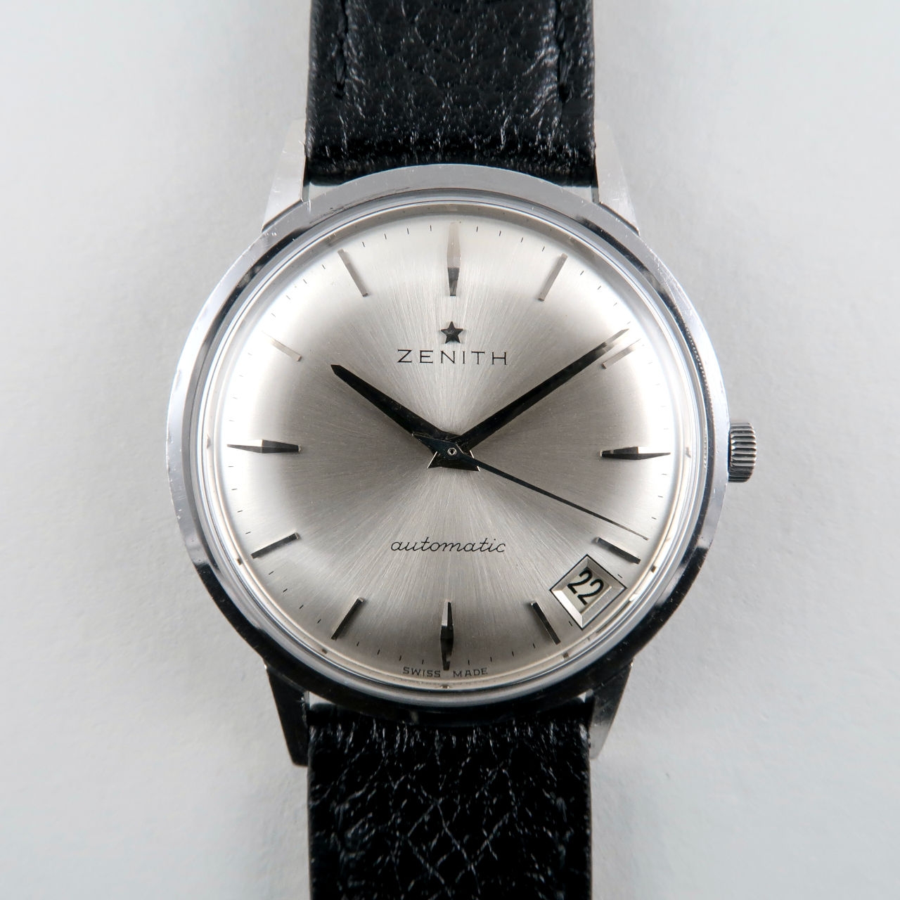 Zenith Cal. 2532 circa 1965   steel automatic vintage wristwatch